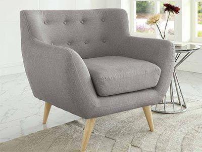Мягкие кресла и пуфы