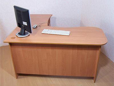 Столи офісні